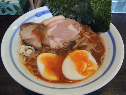 特製正油らぁ麺(880円)