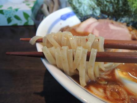 特製正油らぁ麺の麺