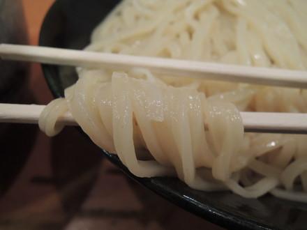 脚赤海老塩つけ麺の麺