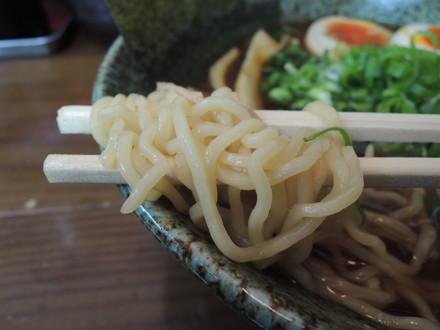 和風出汁らぁめんの麺