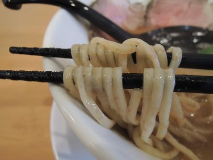 新中華そば(並)の麺