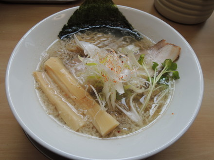煮干し中華そば塩(730円)