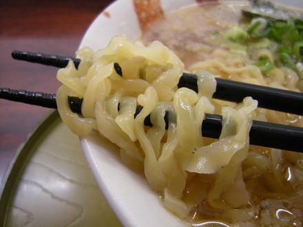 焼干らーめんの麺