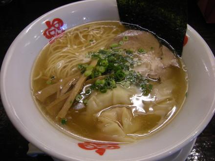 海老わんたん麺醤油味(800円)
