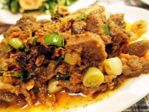 山羊肉のスパイス炒め