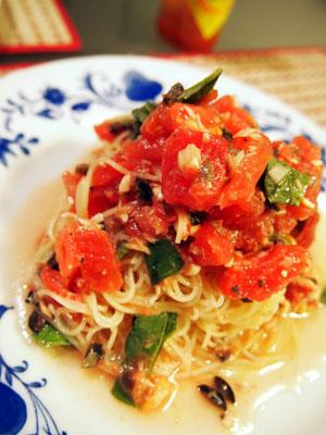 冷たいトマトのカッペリーニ