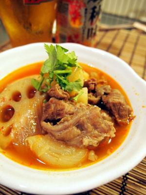 牛すじと野菜のスープ