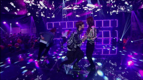 120805 Only One  SBS Inkigayo.ts_000103002