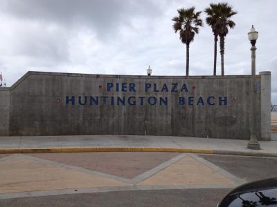 ハンティントンビーチ 看板