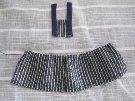 紺ストライプスカート途中