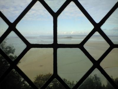 モンサンミシェルの窓から