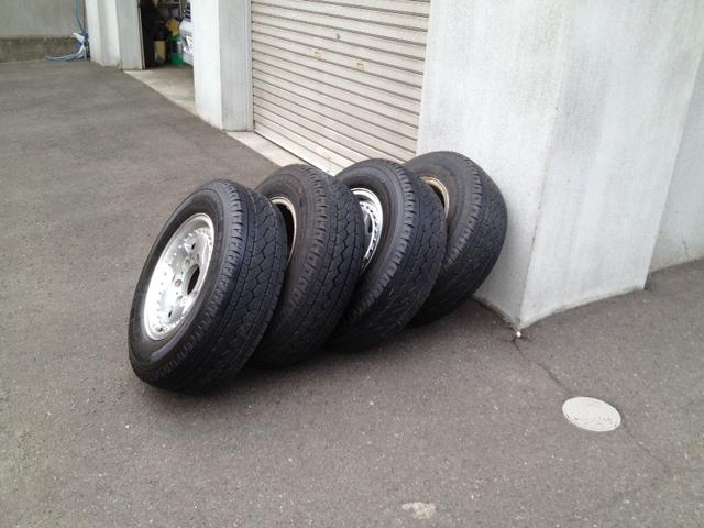 KING タイヤ交換2