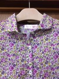 花柄紫ブラウス-2