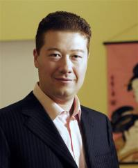 2012-10-22_Euro_チェコ大統領選に日系人、オカムラ氏が出馬表明01_チェコ大統領選への出馬を表明したトミオ・オカムラ氏=撮影日不明(オカムラ氏提供・共同)