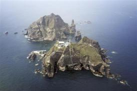 2012-10-24_島根県の竹島(韓国名・独島)(ロイター)