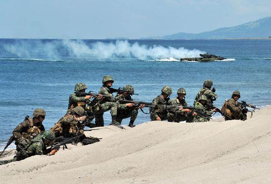 フィリピンと米国の連合軍の合同演習