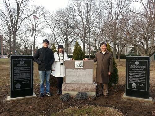 慰安婦決議案の記念碑