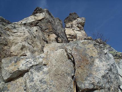 第2岩峰2P目チムニー
