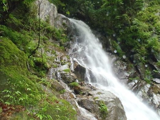 高巻き中からの大滝