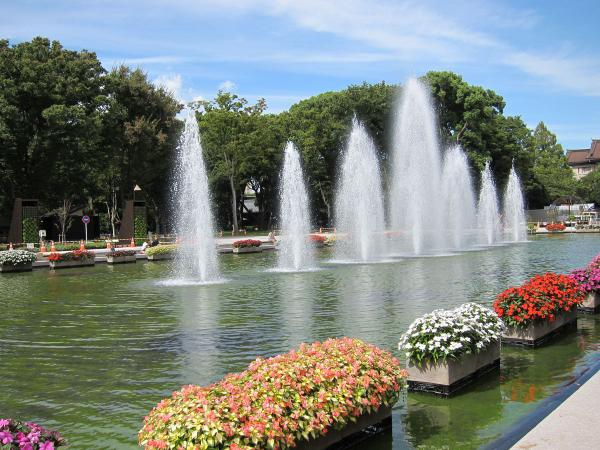 上野公園・噴水広場3〔フリー写真〕