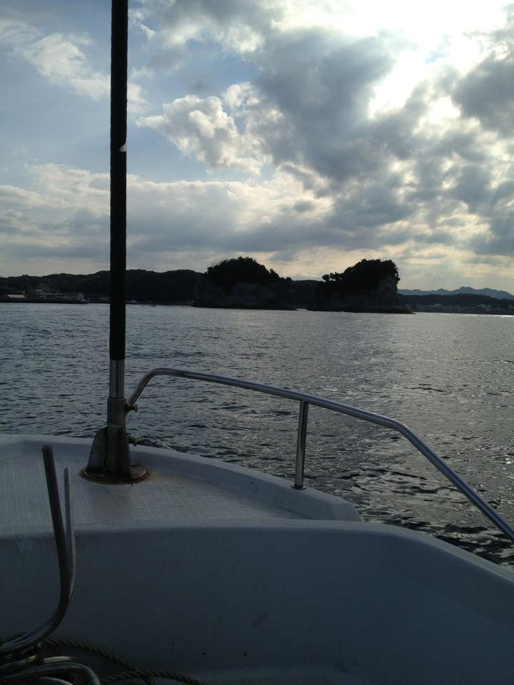 海からの円月島
