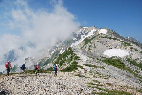 雲湧く白馬岳