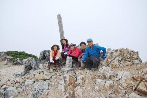 鑓ケ岳山頂