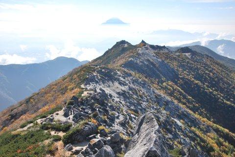 薬師岳稜線と富士山