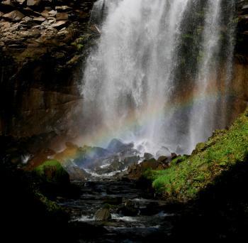 漢字では「厚別の滝」と書きます。