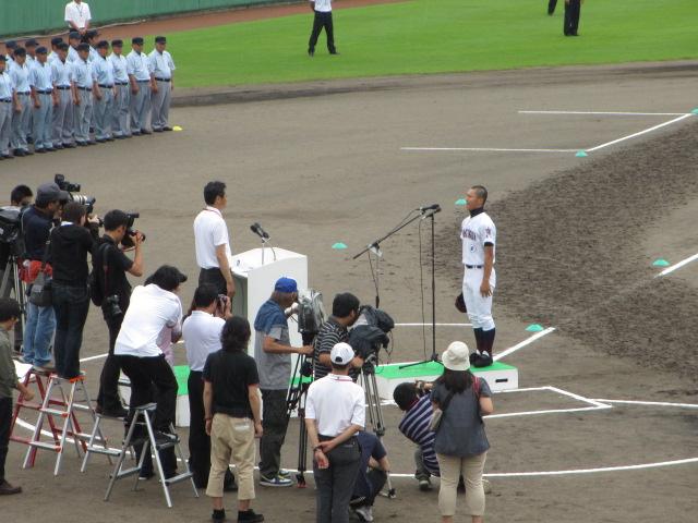 高校野球開会式 019