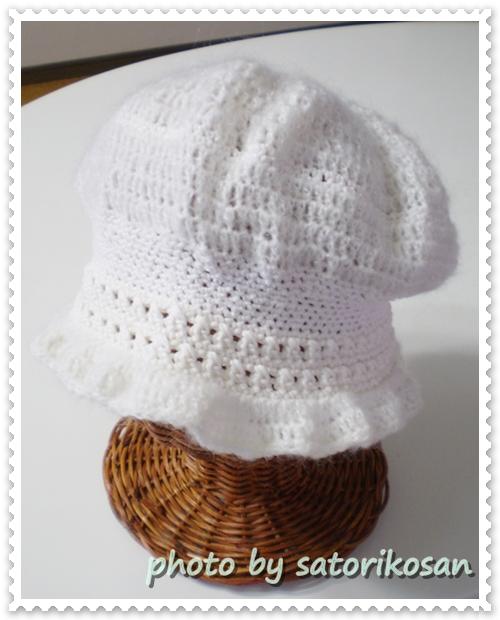ホワイト:深めの帽子:フリー2