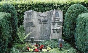 シュトルツェのお墓_Friedhof Garmisch