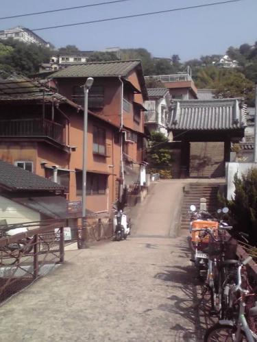 光明寺門前