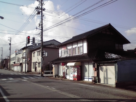 越中八尾駅前通り4