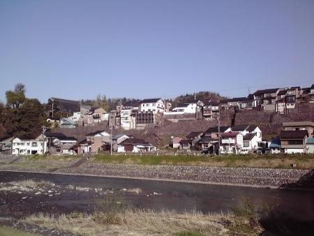 坂の町の石垣