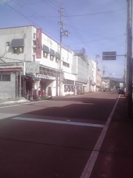 四つ角からの通り
