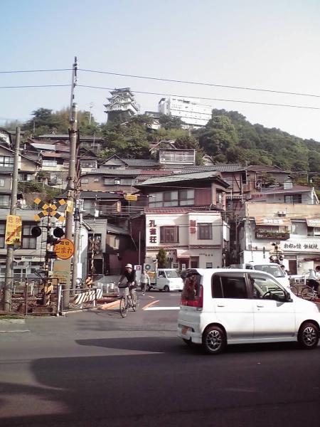 尾道城と土堂踏切