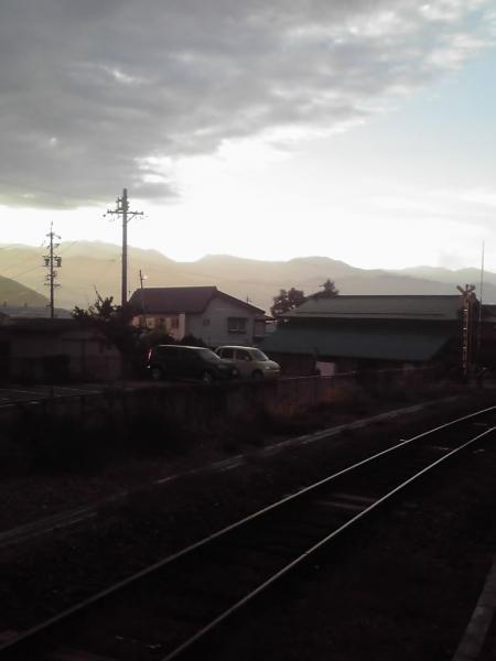 上今井駅ホームよりの風景