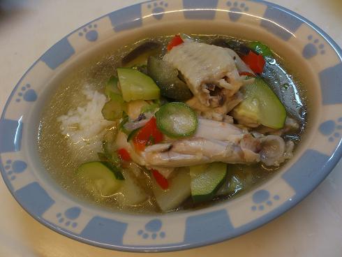 鶏手羽中とズッキーニのスープ煮