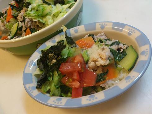 カレイの卵&豚肉、レタスと海苔のサラダ