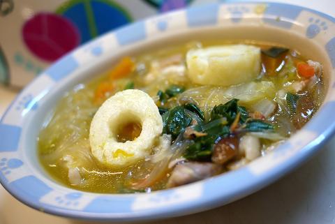 きりたんぽとはるさめのスープ