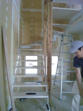 階段板取り付け