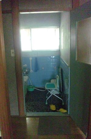 浴室ドア 施工前