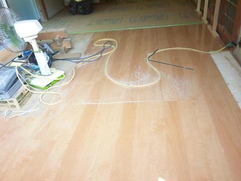 床フロアー貼り