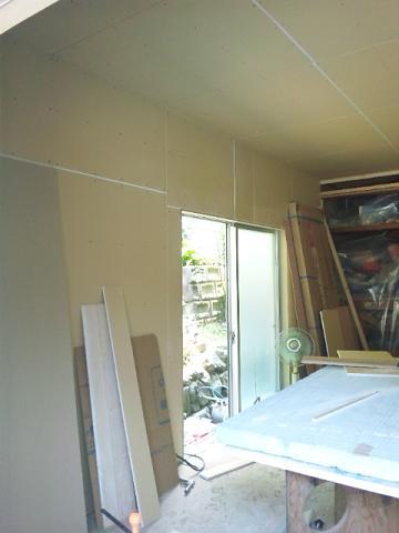 壁ボード貼り (1)