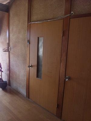 柱がみえていた玄関ホール