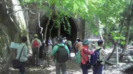 最初のトンネル