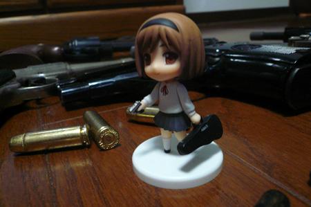 少女と銃と小さな幸せ