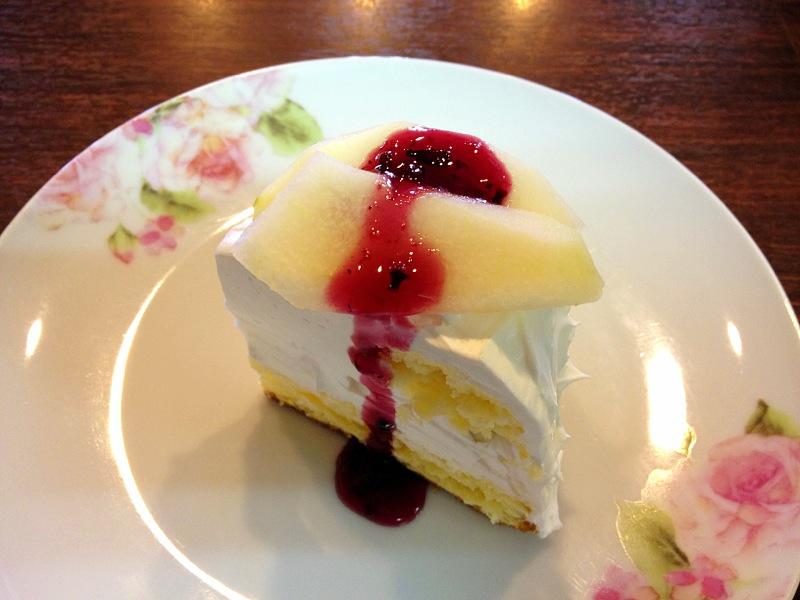 洋梨&ブルーベリーのショートケーキ
