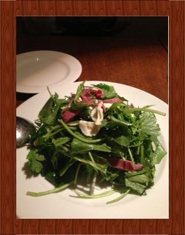 牛肉とモッツァレラチーズのサラダ